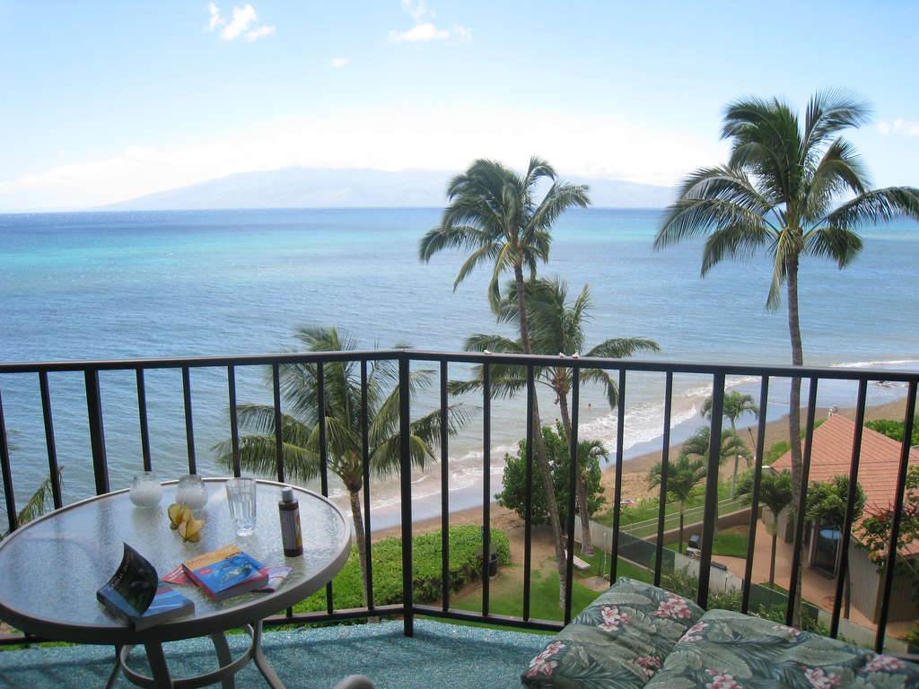 Balcony View Beachfront condo in Hawaii