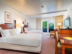 Polynesian Plaza Hotel